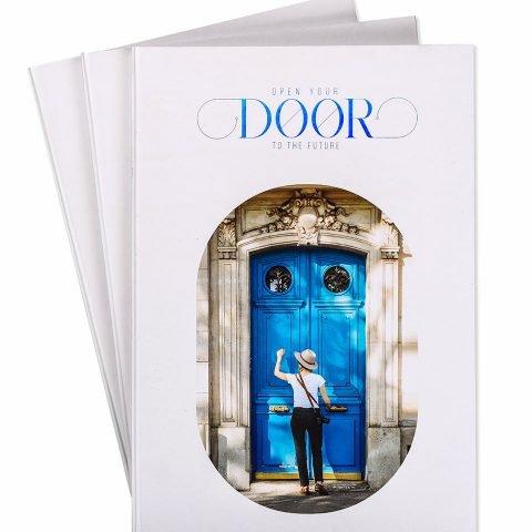 """Зошит офісний А4 """"Двері у майбутнє"""" фото"""